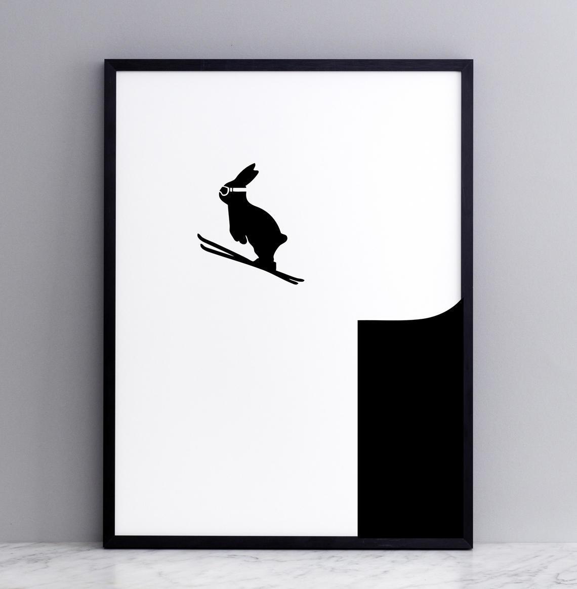 HAM Sítotisk s králíkem ve skoku na lyžích Ski Jumping Rabbit 30 x 40 cm, černá barva, papír