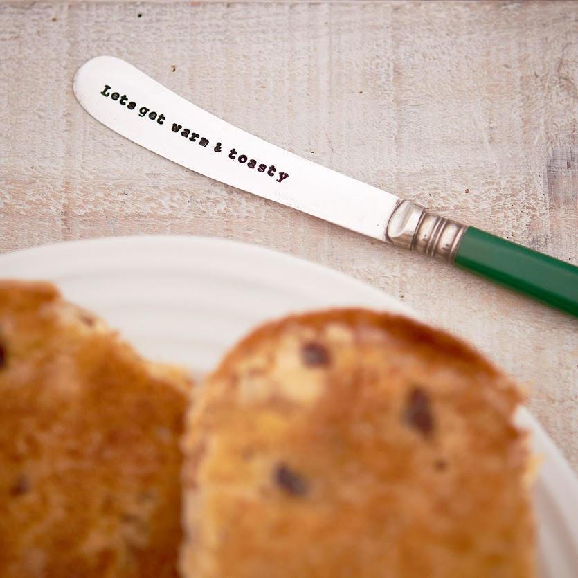 La de da! Living Postříbřený nožík na máslo Warm & Toasty, stříbrná barva, kov, plast