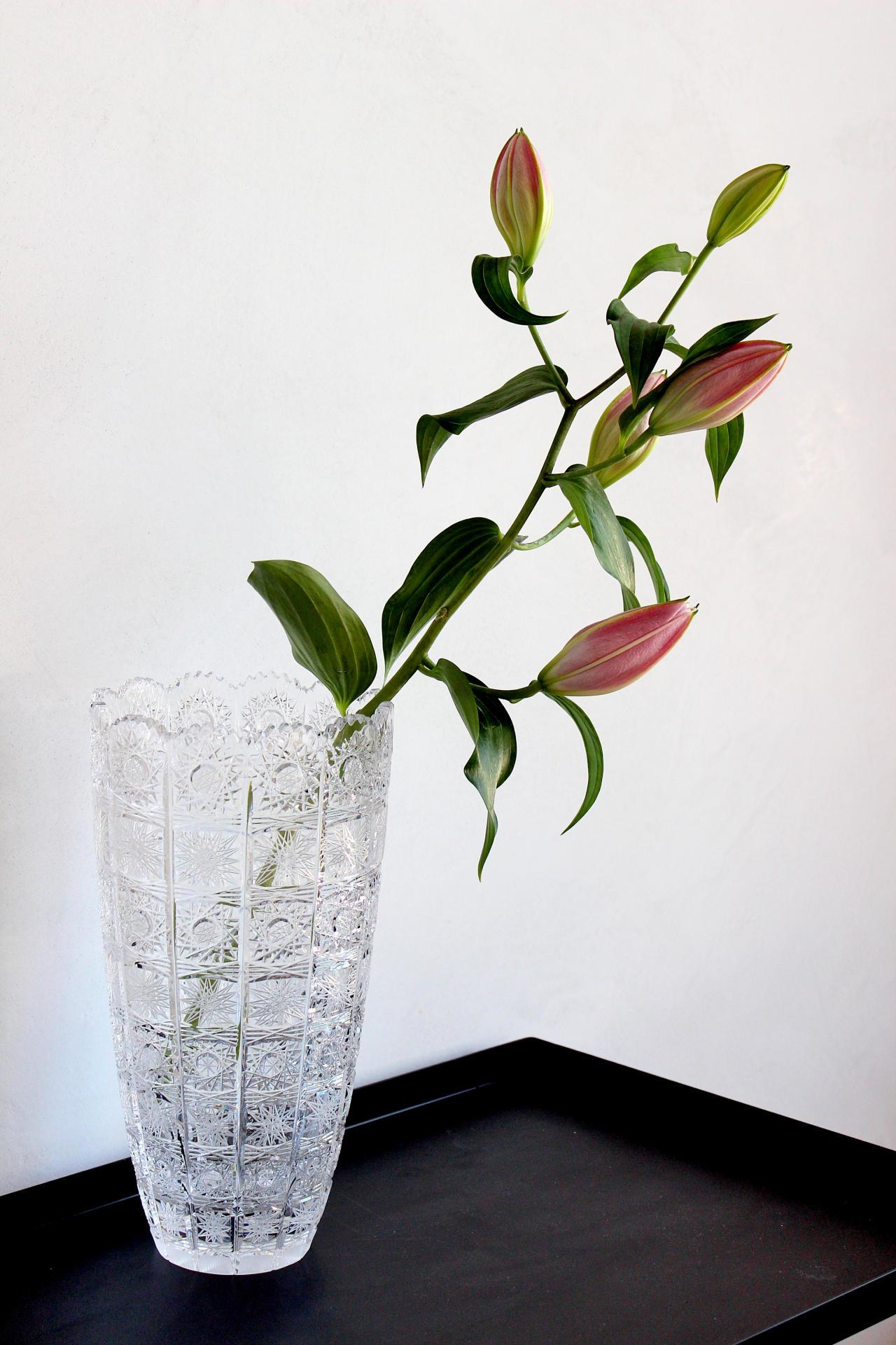 CRYSTAL BOHEMIA Křišťálová broušená váza Crystal BOHEMIA 30 cm, čirá barva, sklo