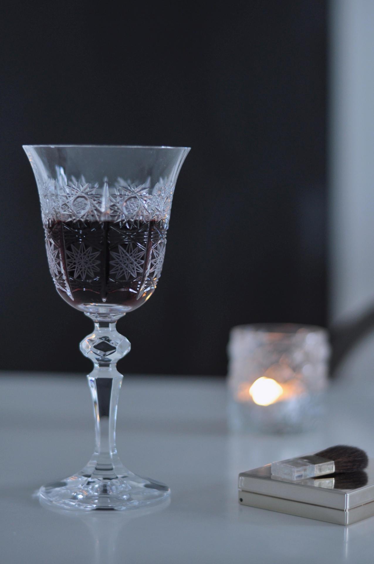 CRYSTAL BOHEMIA Broušená křišťálová sklenice na víno Crystal BOHEMIA 1,5 dcl, čirá barva, sklo