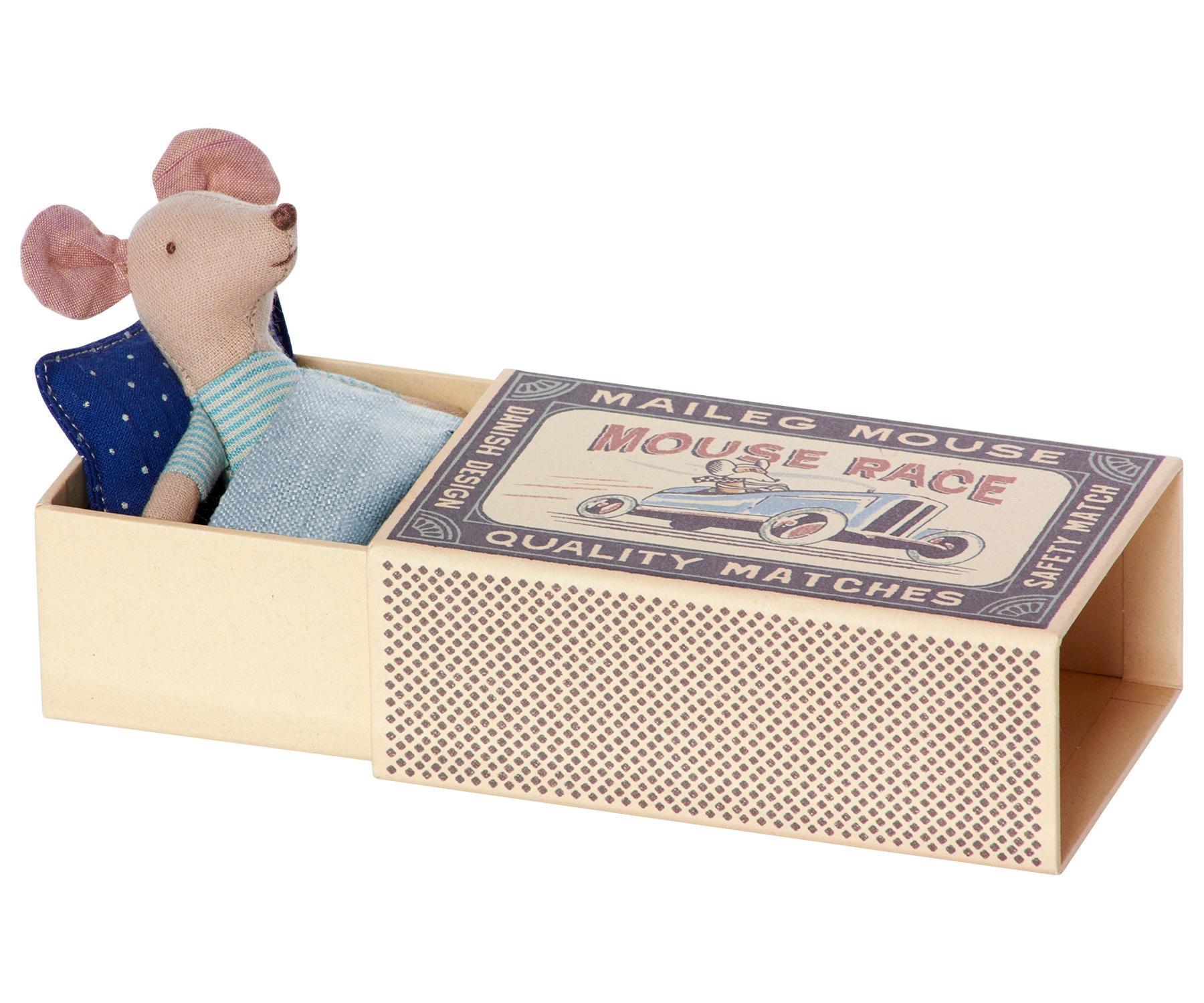 Maileg Myšák v krabičce Littlebrother, modrá barva, zelená barva, papír, textil