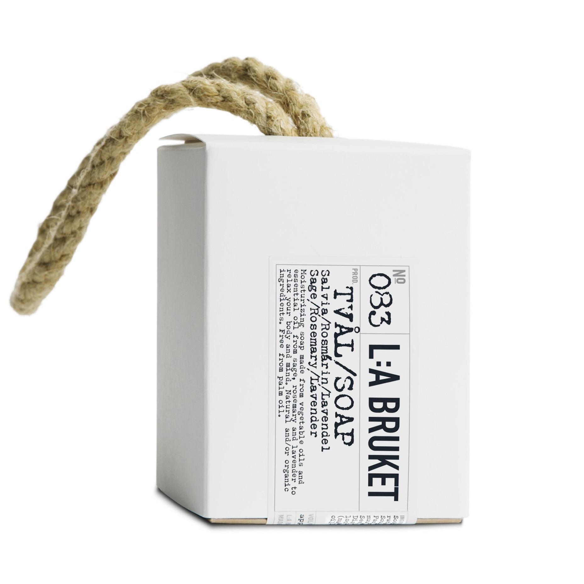 L:A BRUKET Mýdlo na provázku - šalvěj, rozmarýn, levandule 240gr, bílá barva