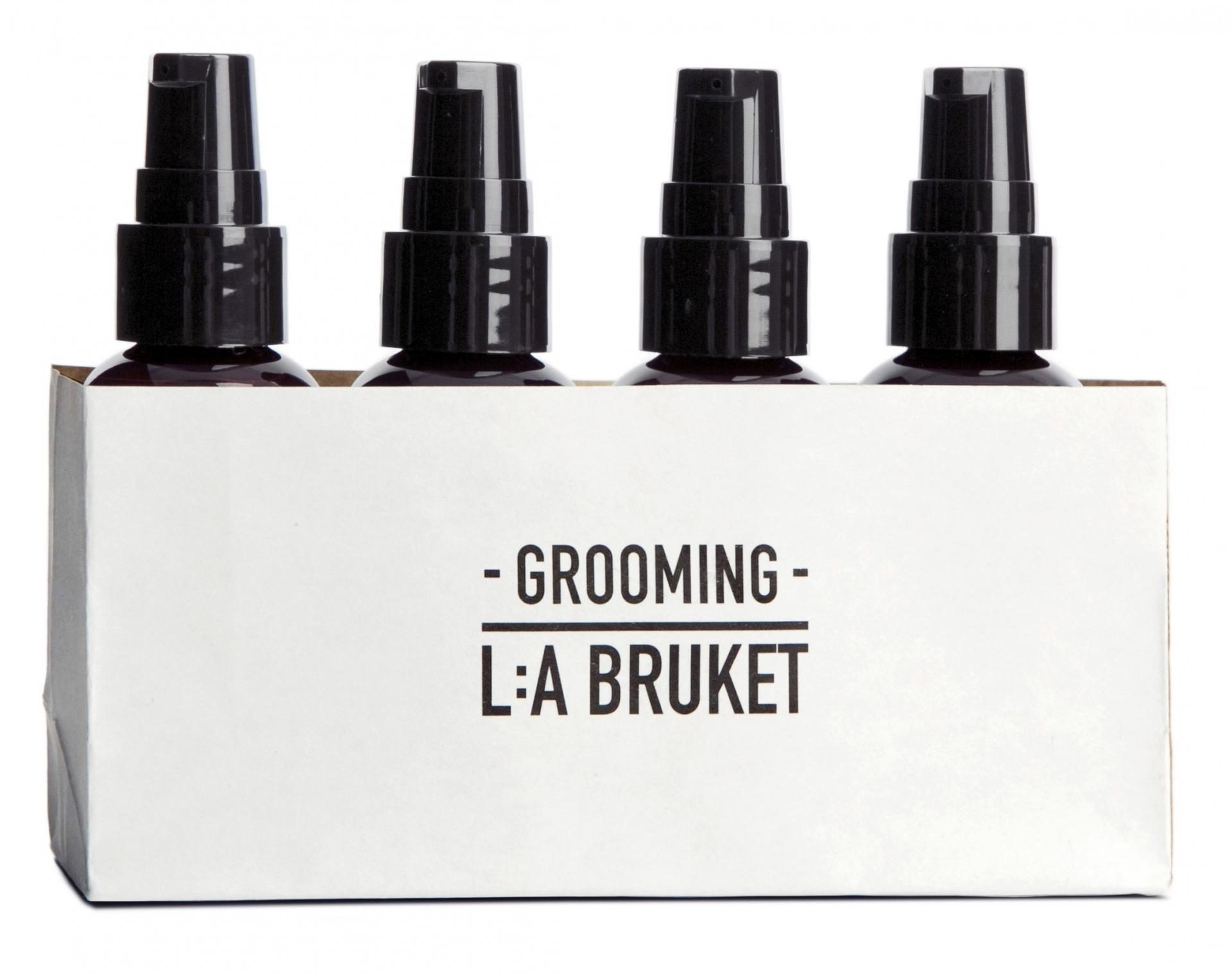 L:A BRUKET Cestovní kosmetický mini set pro muže - 4 ks, hnědá barva, plast