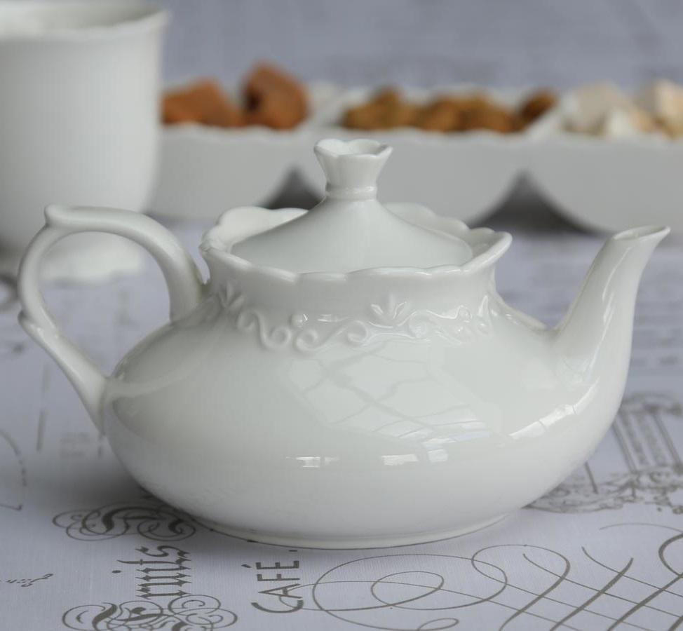 Chic Antique Čajová konvice Provence, bílá barva, porcelán