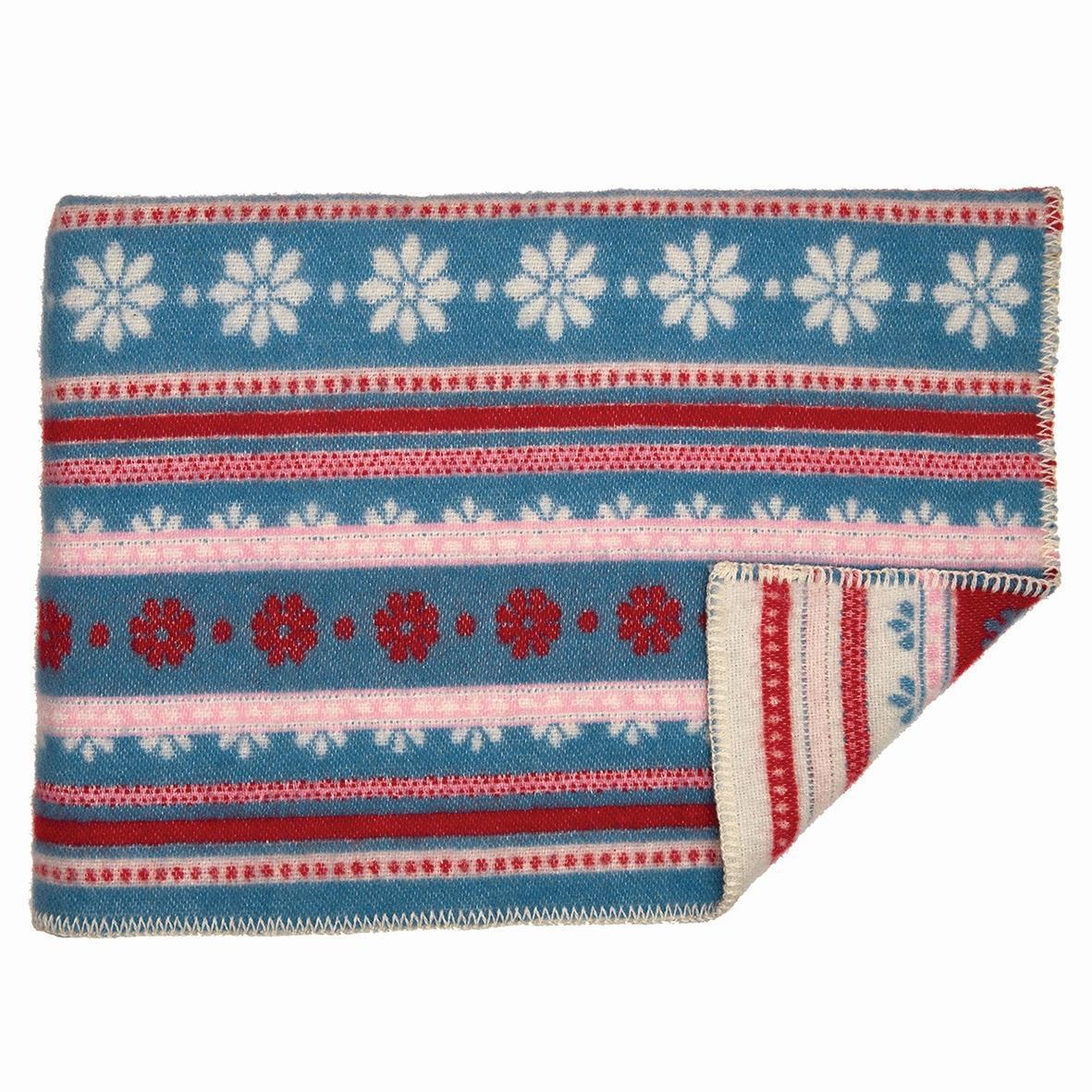 GREEN GATE Vlněná deka Bianca dusty blue 130x180, červená barva, modrá barva, textil