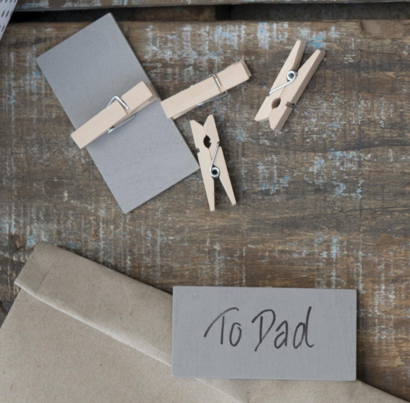 IB LAURSEN Dřevěná tabulka s kolíčkem - šedá