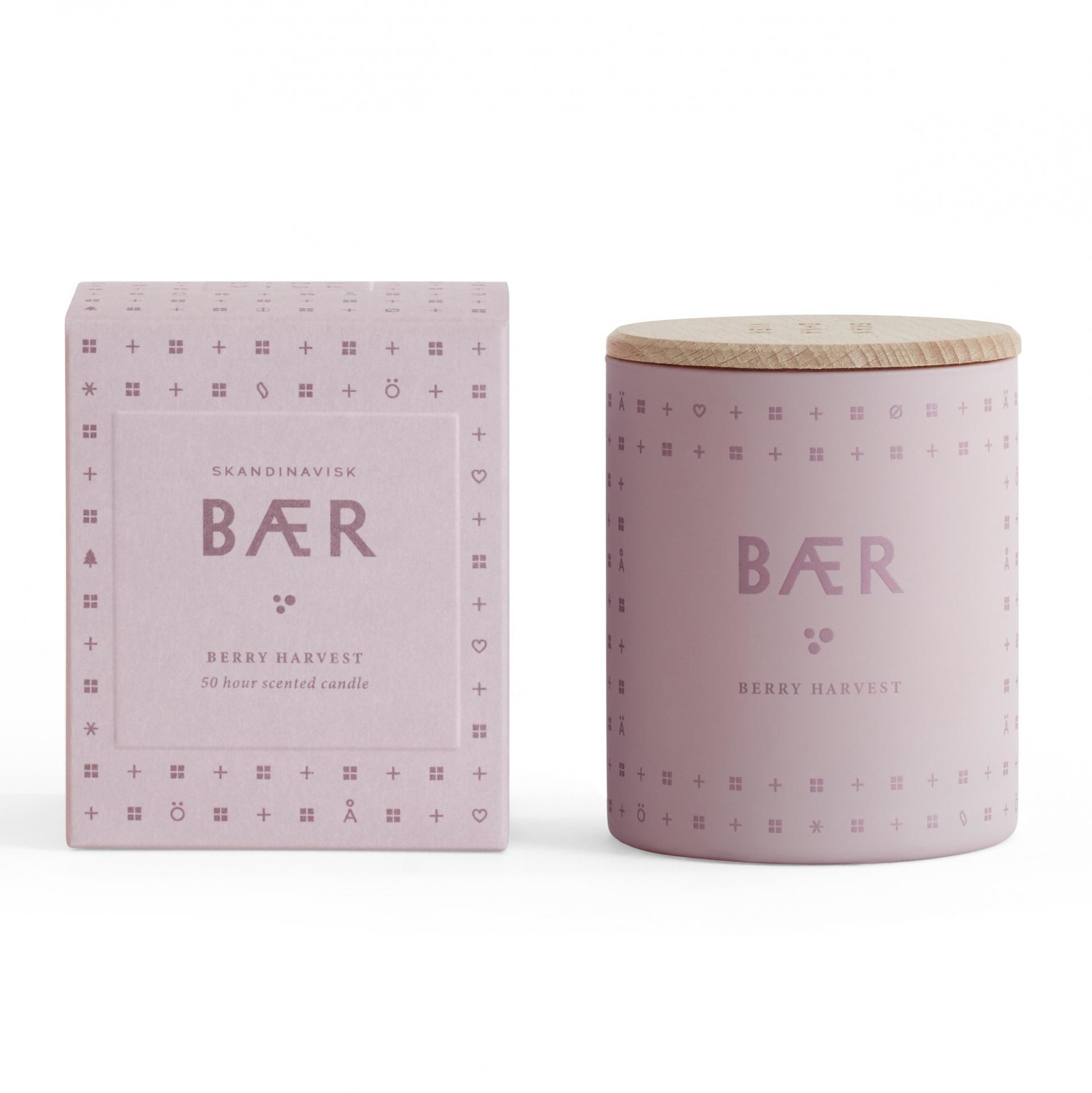 SKANDINAVISK Vonná svíčka BÆR (lesní plody) 190 g, růžová barva, sklo