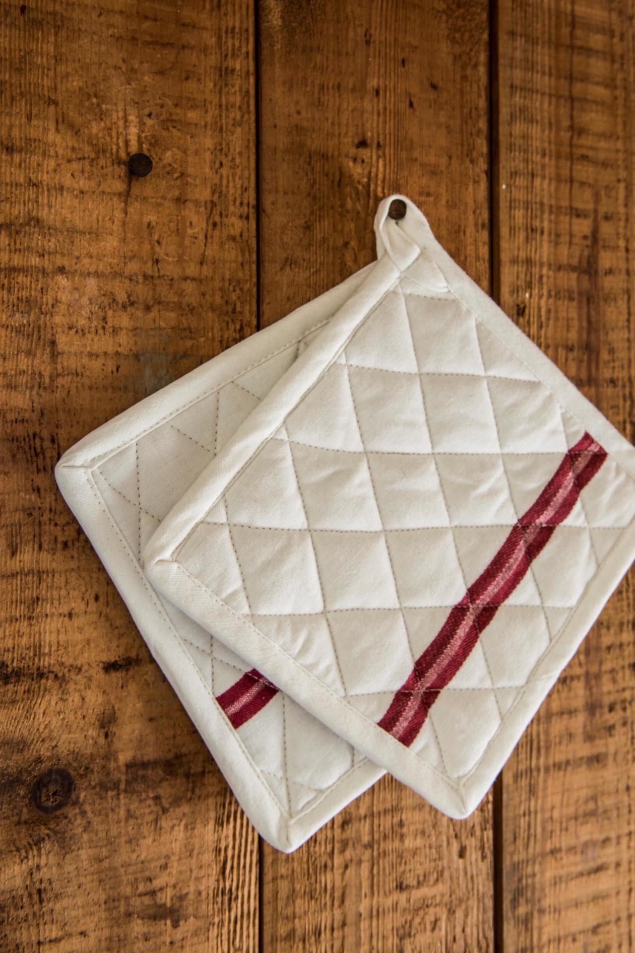 IB LAURSEN Podložka pod hrnec Red stripe, červená barva, bílá barva, textil