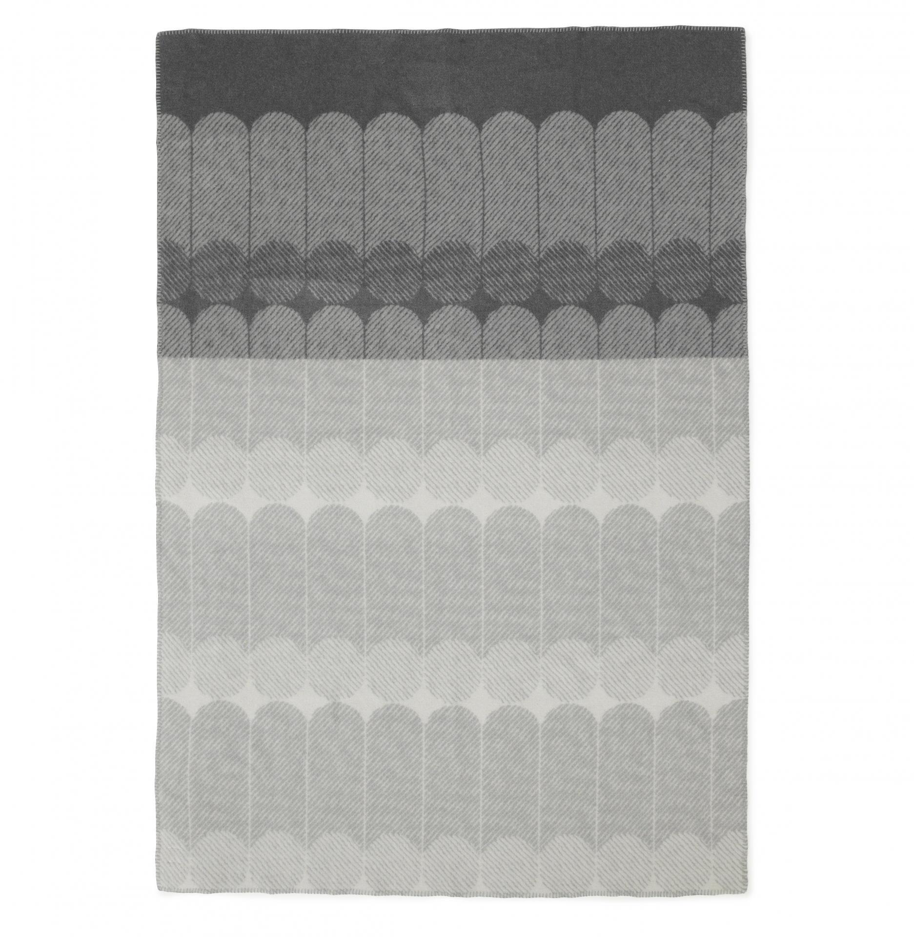 normann COPENHAGEN Vlněná deka Ekko Smoke 130 x 180 cm, šedá barva