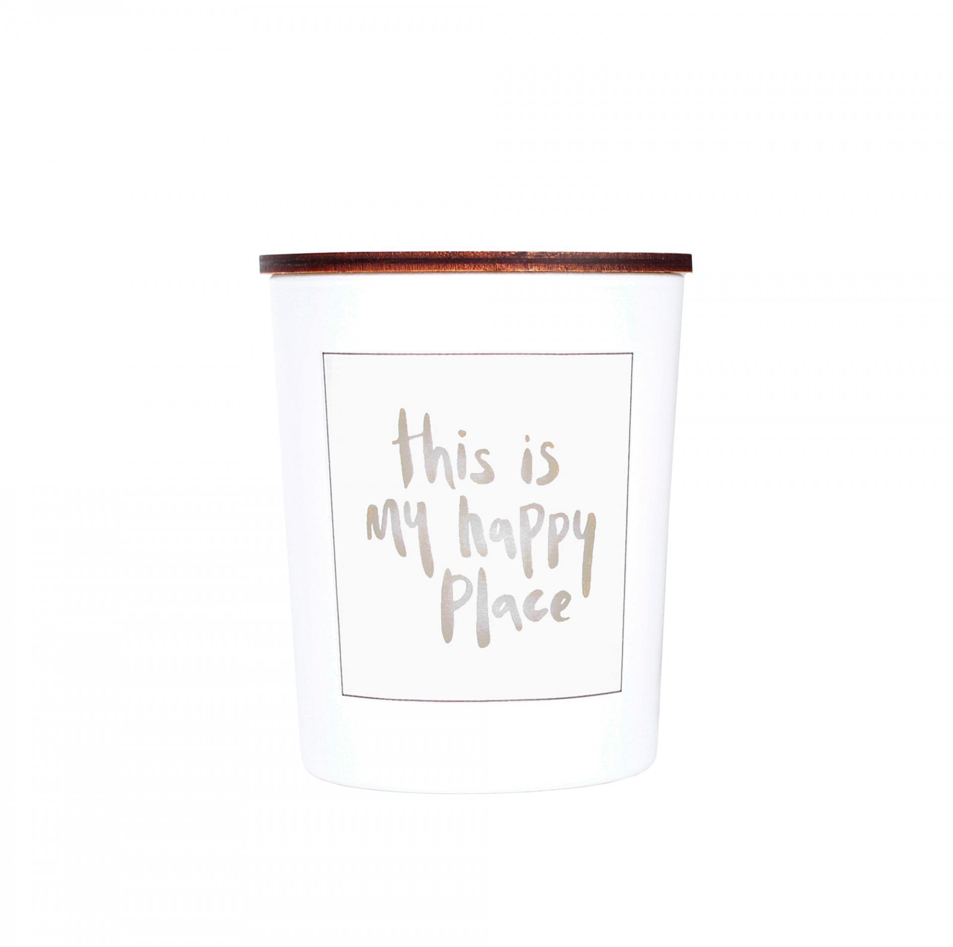 Love Inc. Bílá svíčka Happy place - fíky a růže, bílá barva, sklo, dřevo, vosk