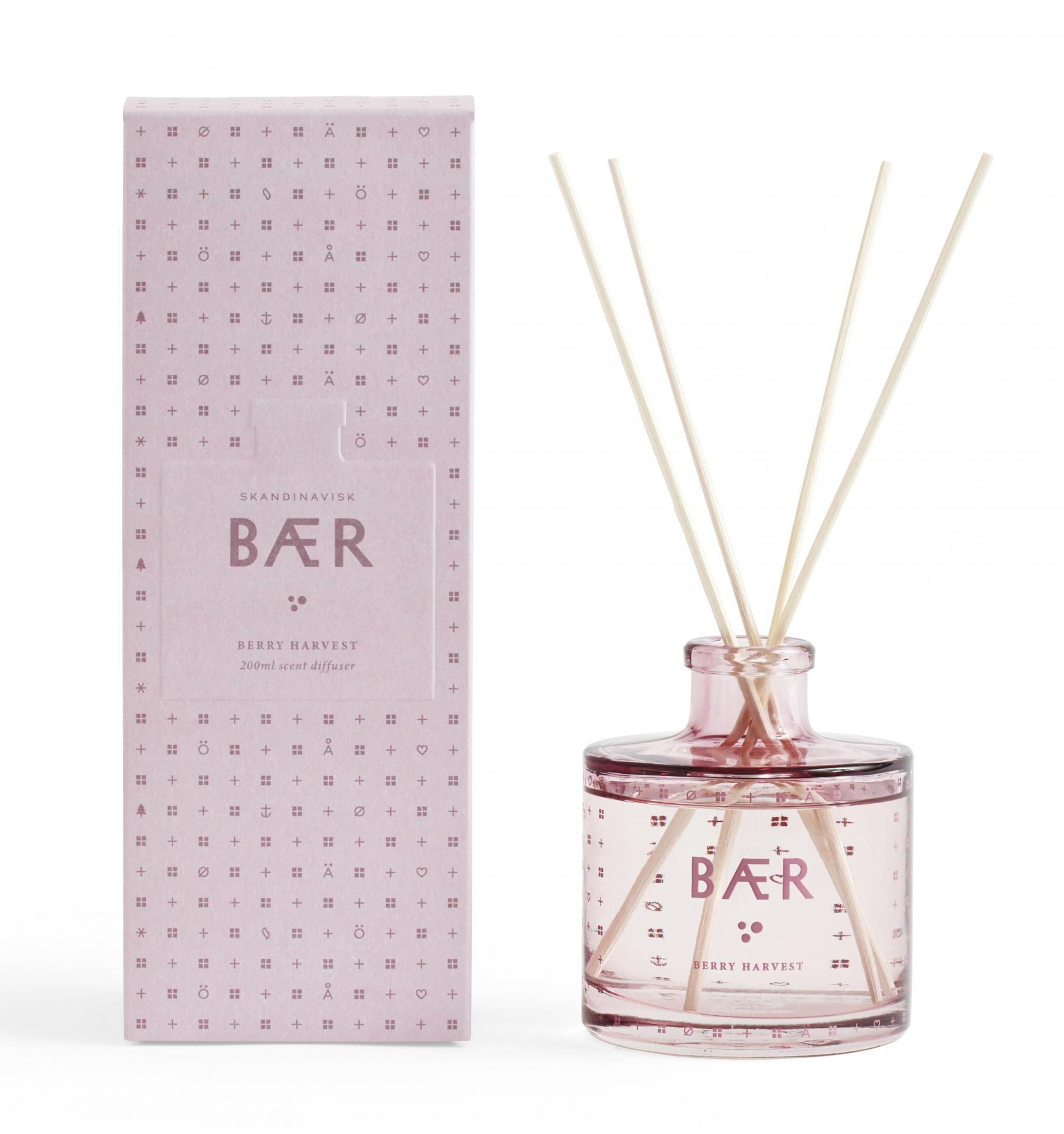 SKANDINAVISK Vonný difuzér BÆR (lesní plody) - 200 ml, růžová barva, sklo