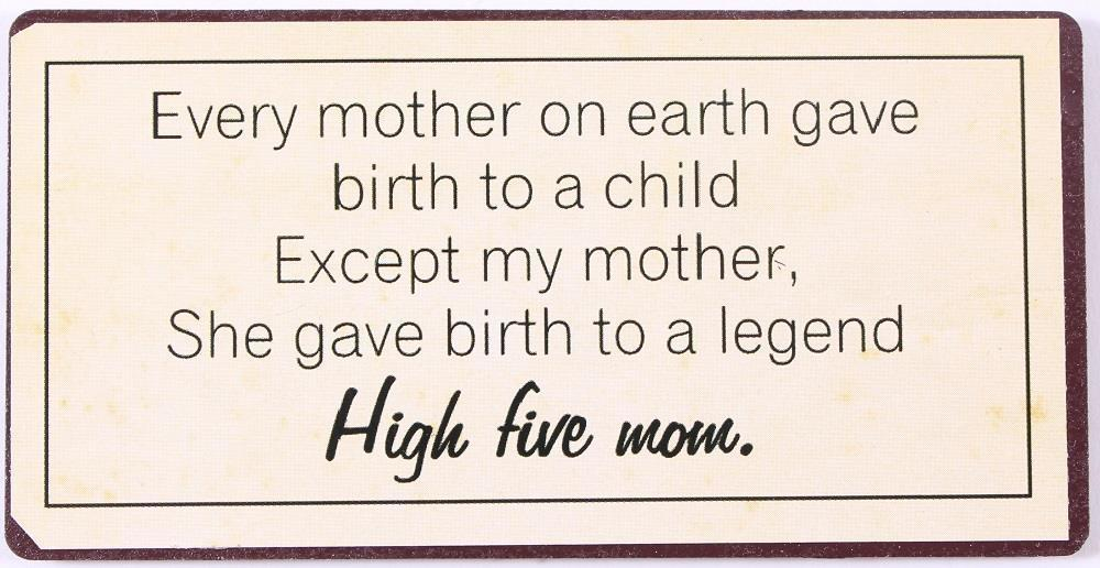 La finesse Magnet High five mom, béžová barva, kov