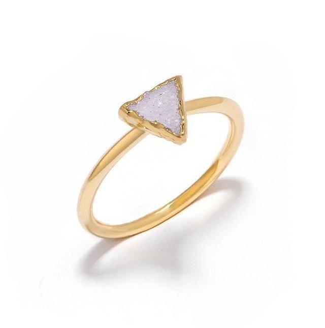 DECADORN Prsten Triangle Light grey/Gold Medium, šedá barva, zlatá barva, kov, kámen