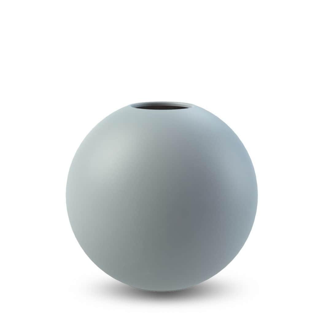 COOEE Design Kulatá váza Ball Dusty Blue 10 cm, modrá barva, keramika