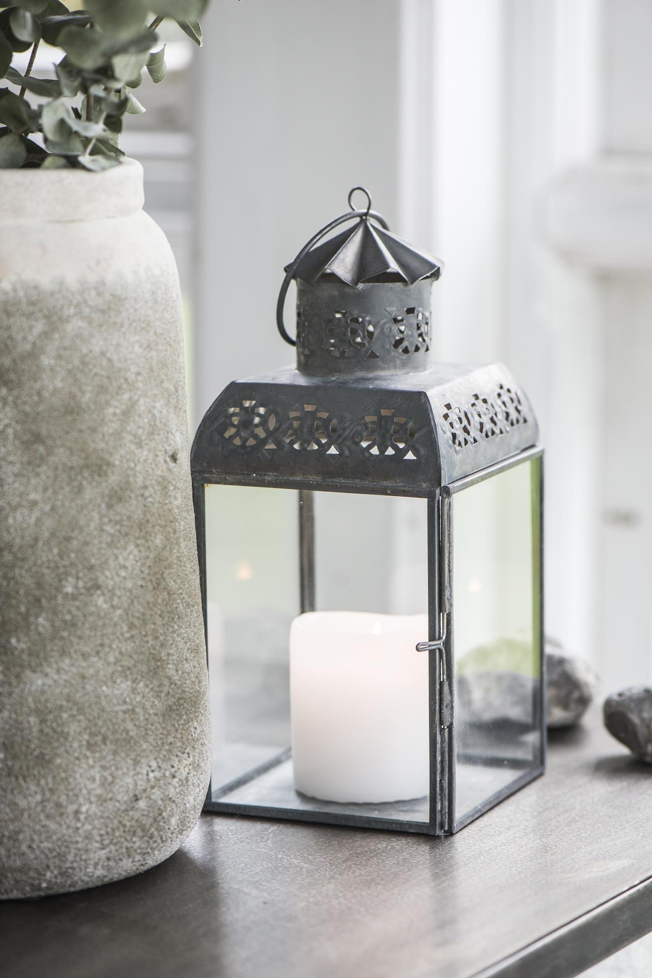 IB LAURSEN Kovová lucerna Lace, šedá barva, zinek