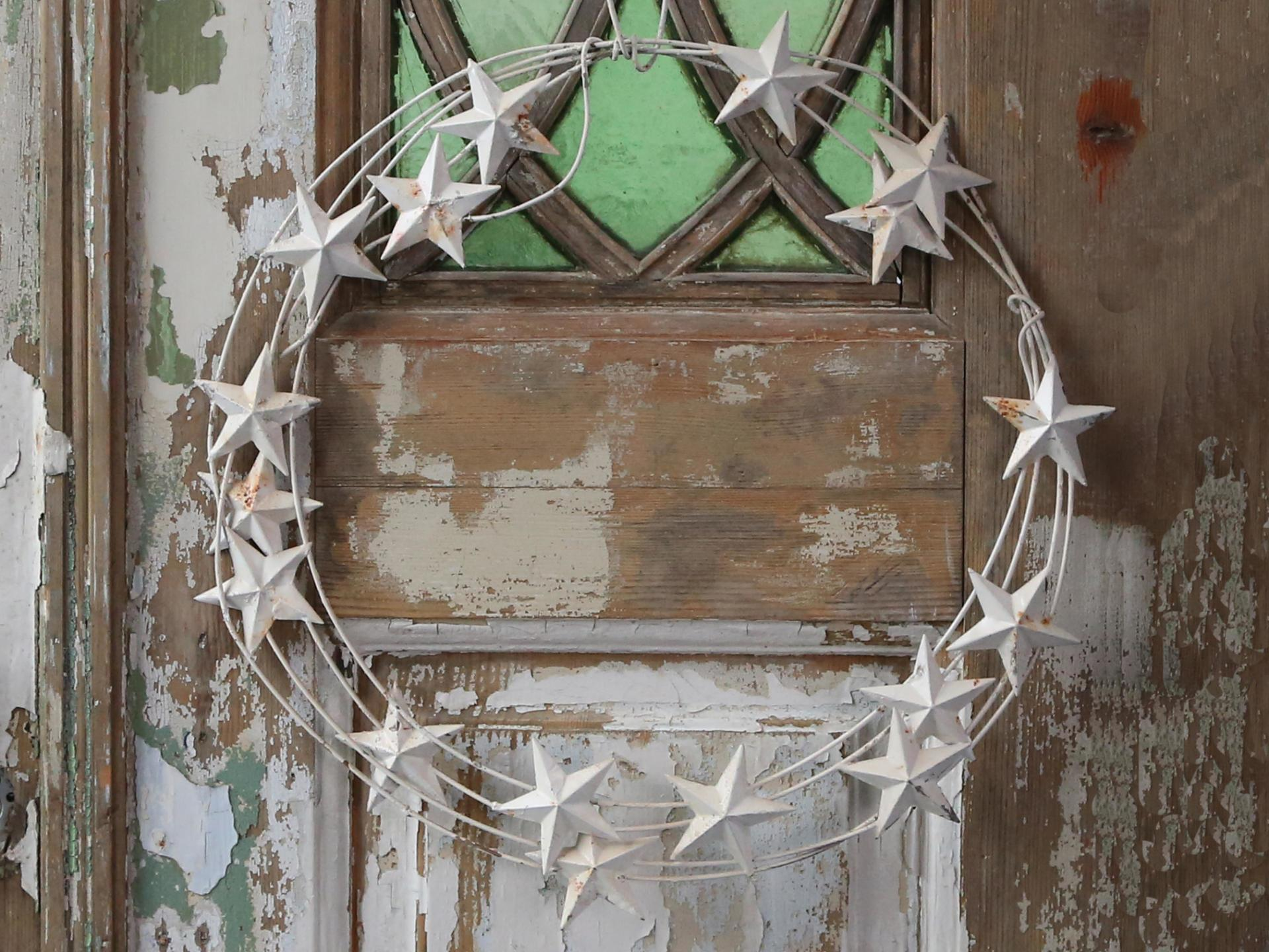 Chic Antique Závěsný věnec s hvězdami Antique Creme, krémová barva, kov