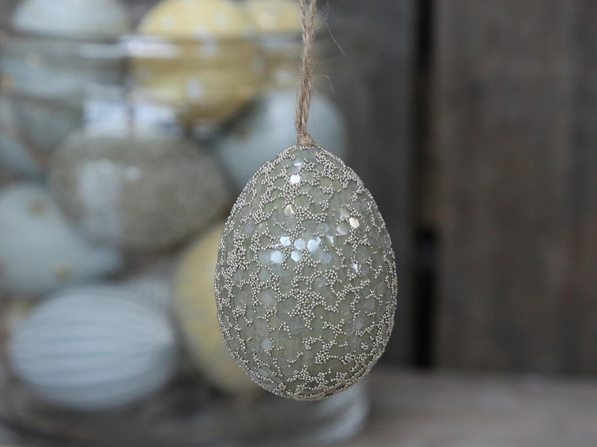 Chic Antique Závěsné plastové vejce Dusty Green, zelená barva, plast