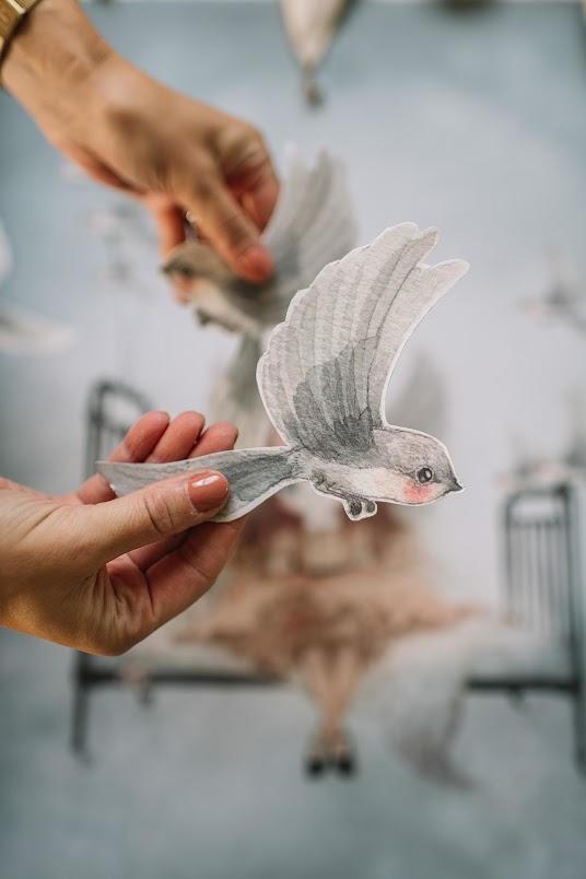 MRS. MIGHETTO Papírová dekorace Oh Birds!, multi barva