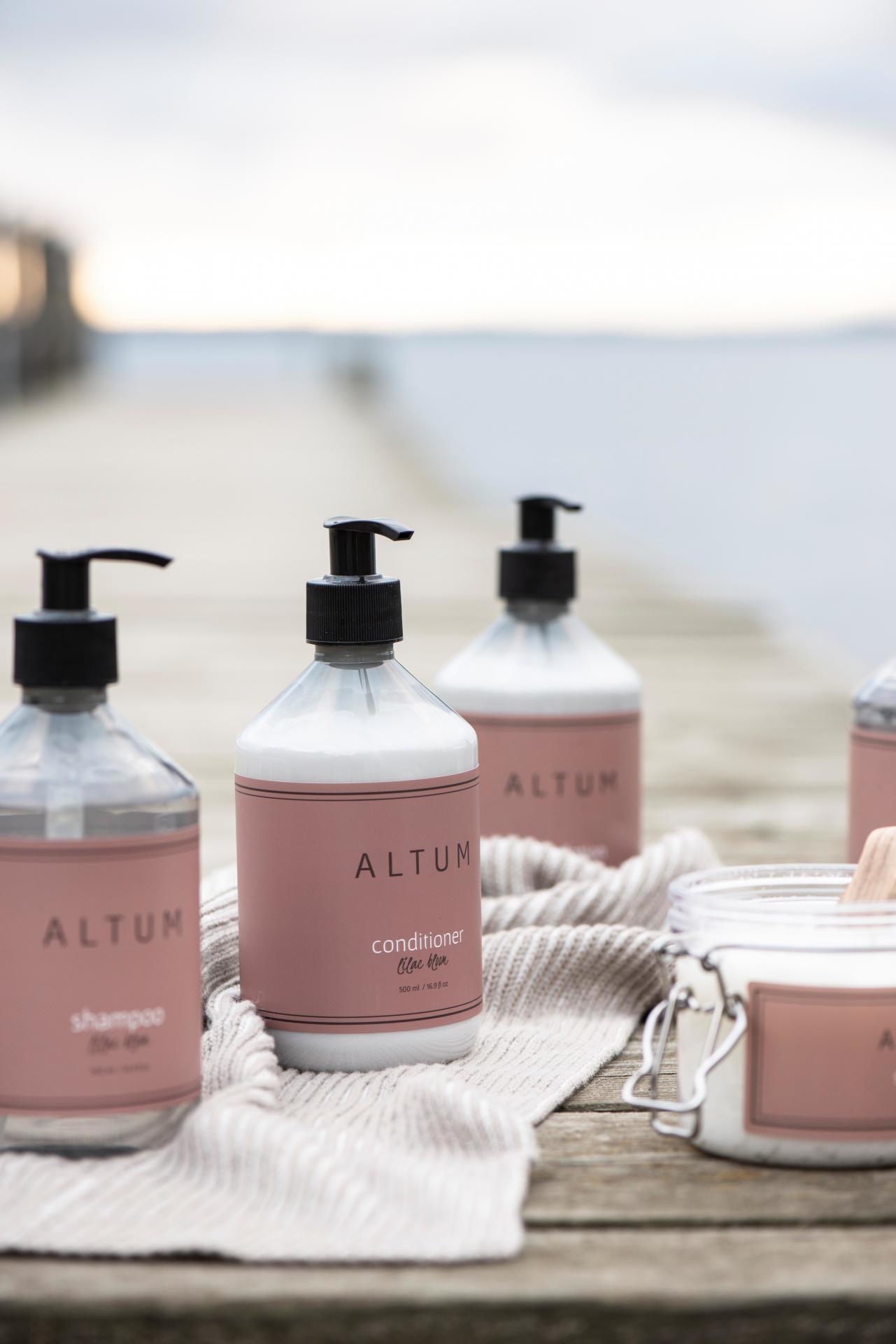 IB LAURSEN Vlasový kondicionér ALTUM - Lilac Bloom 500ml, růžová barva, bílá barva, plast