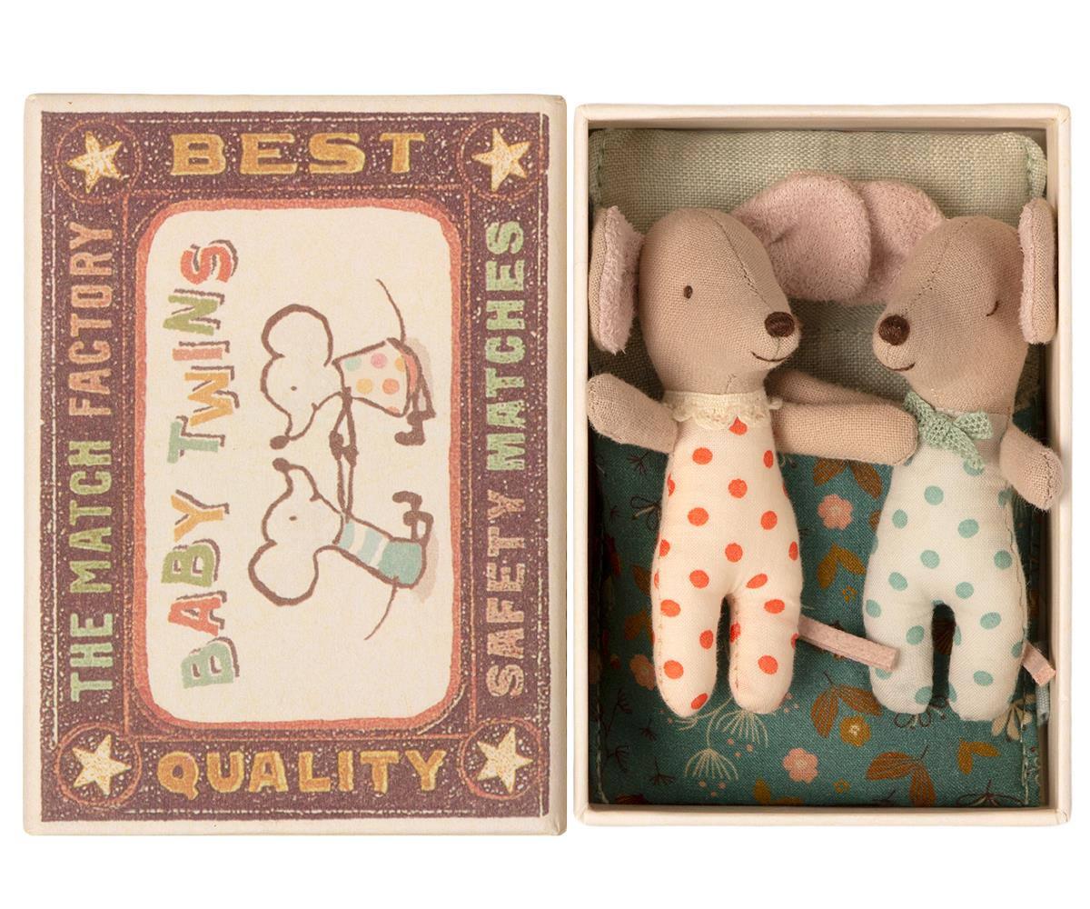 Maileg Myší dvojčátka v krabičce od sirek Twins, béžová barva, papír, textil