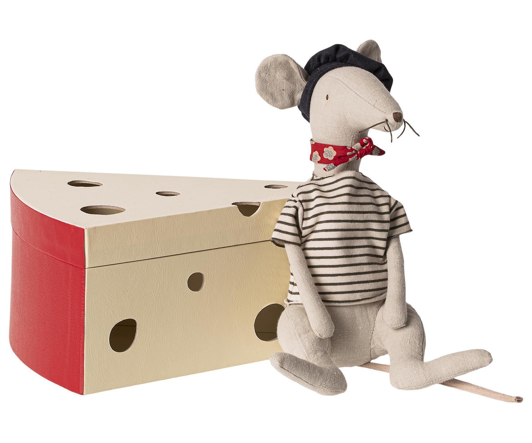Maileg Lněná hračka v krabičce od sýru Rat Light Grey, šedá barva, krémová barva, papír, textil