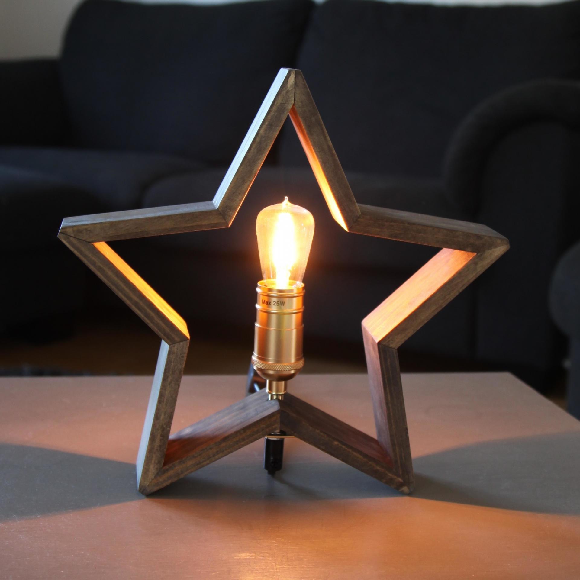 STAR TRADING Stolní lampa ve tvaru hvězdy Lysekil Nature, hnědá barva, přírodní barva