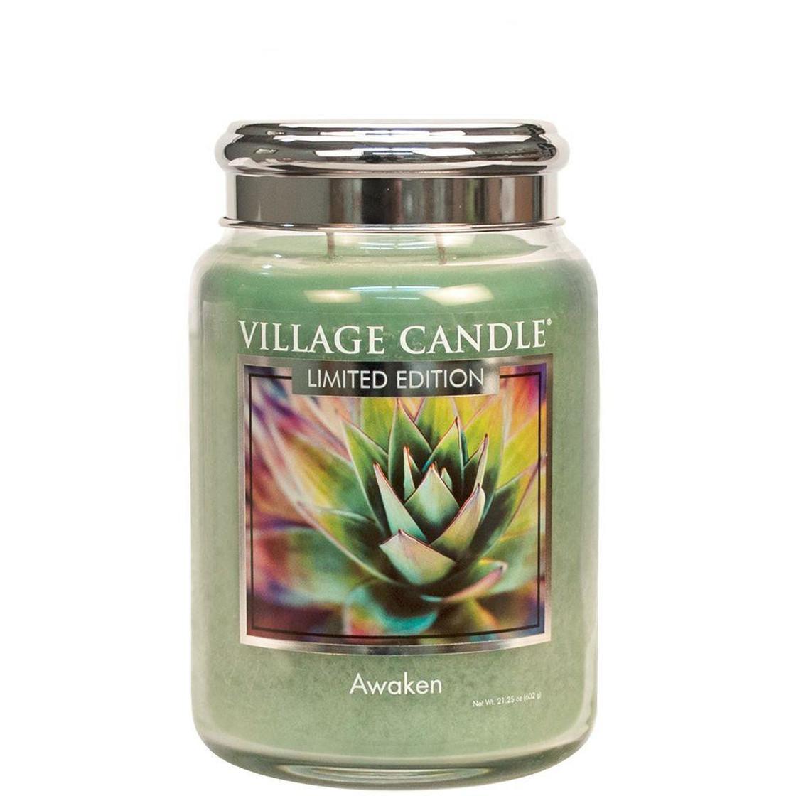 VILLAGE CANDLE Svíčka Village Candle - Awaken 602g, zelená barva, sklo