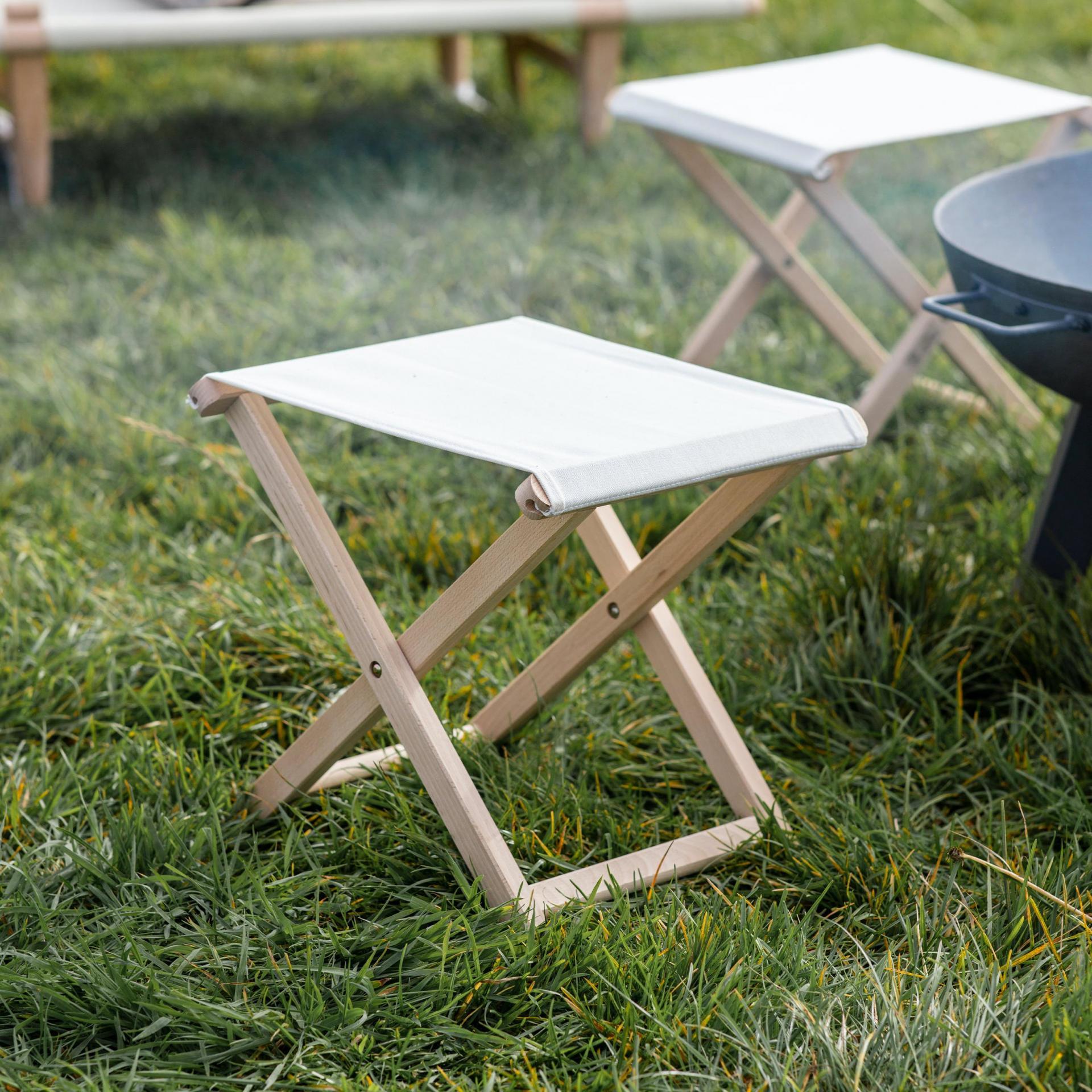 Garden Trading Skládací stolička Wimborne, přírodní barva, dřevo