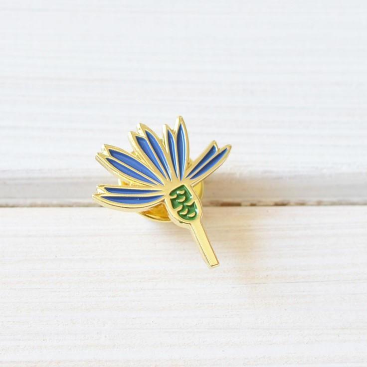 MANKAI Paper Kovový odznáček Chrpa, modrá barva, zlatá barva, kov