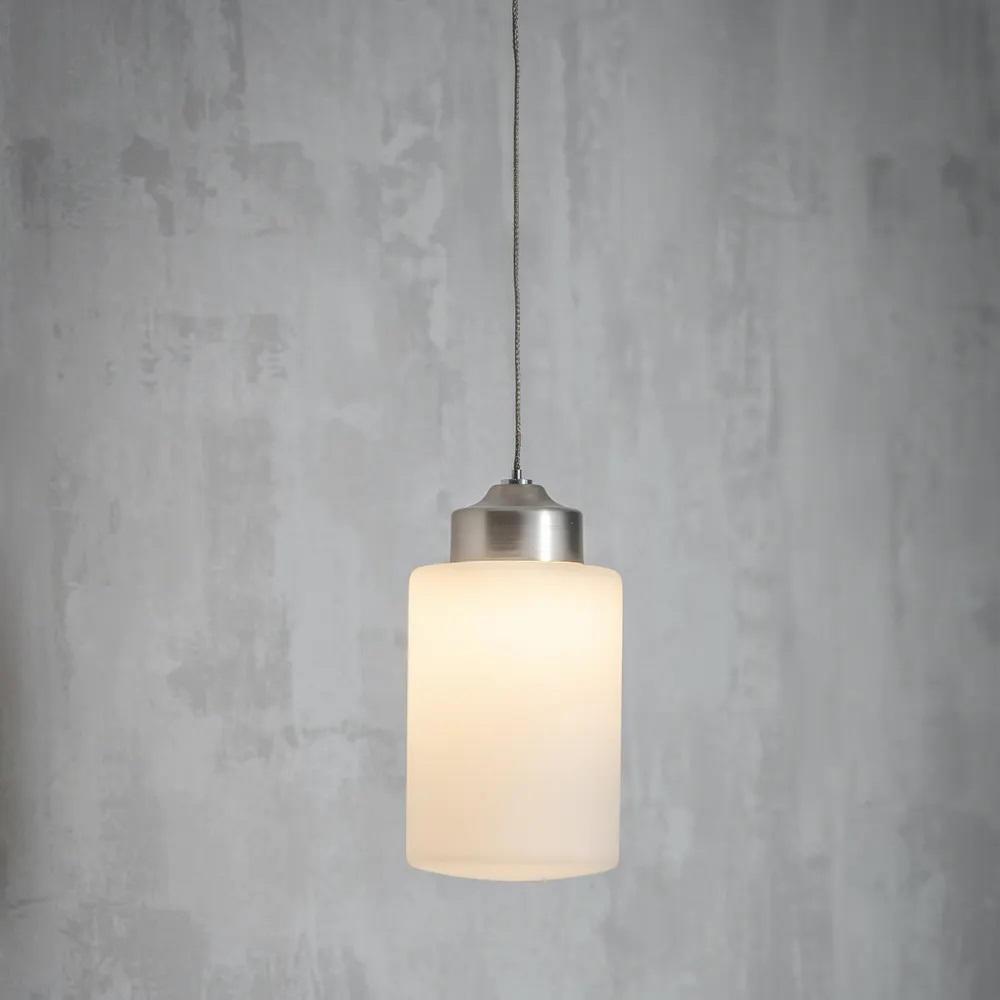 Garden Trading Závěsná lampa do koupelny Waterloo, stříbrná barva, krémová barva, sklo, kov