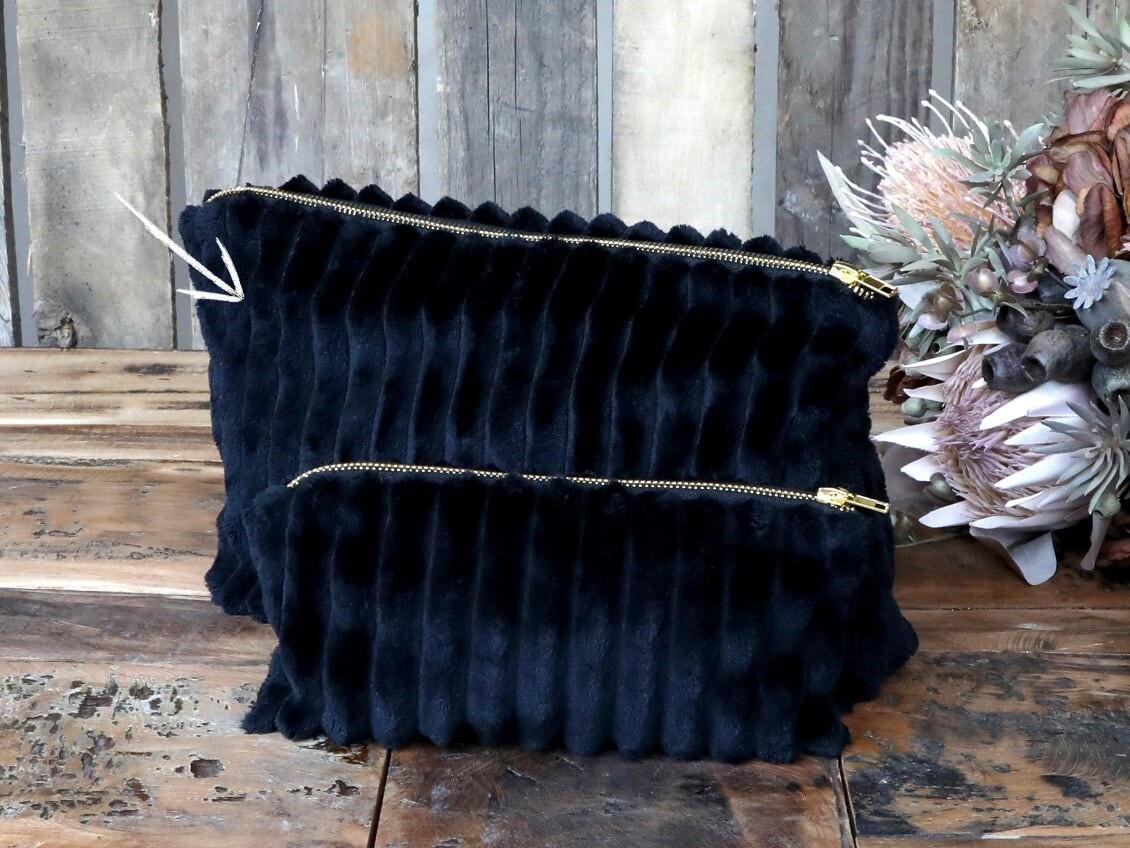 Chic Antique Kosmetická taštička Black Velour, černá barva, textil