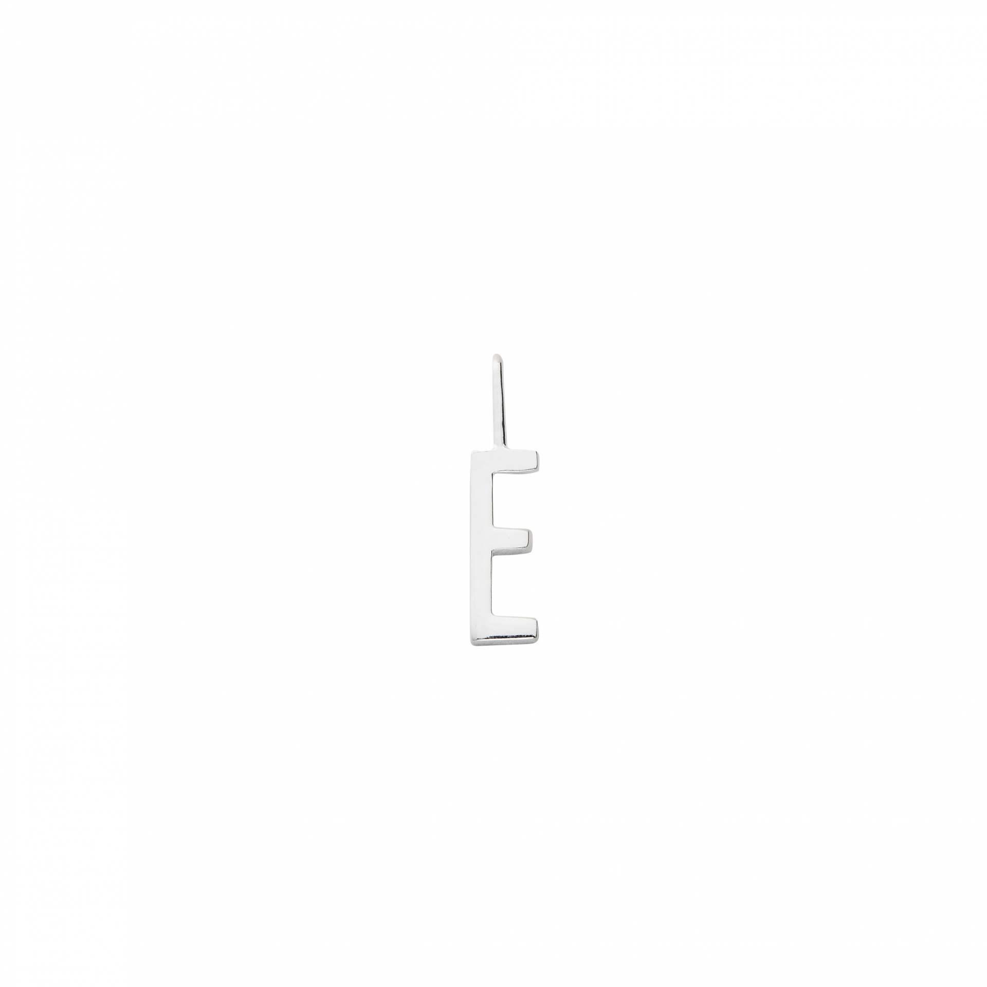 DESIGN LETTERS Stříbrný přívěsek Design Letters – E, stříbrná barva, kov