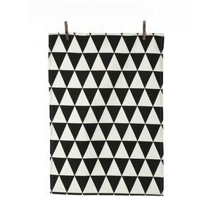 ferm LIVING / Utierka Triangle black 50x70