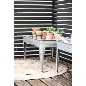 Zinkový zahradní stolek