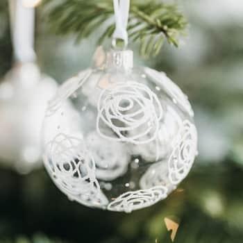 Vánoční baňka Rose Clear - 8 cm