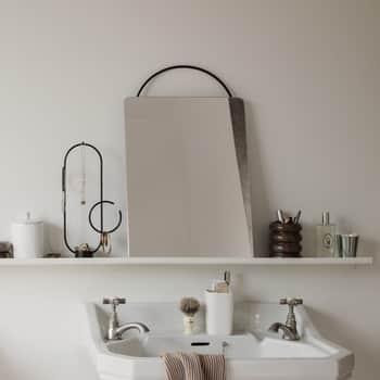 Závěsné zrcadlo Adorn Black