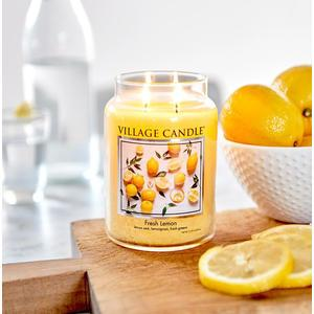 Svíčka Village Candle - Fresh Lemon 602g