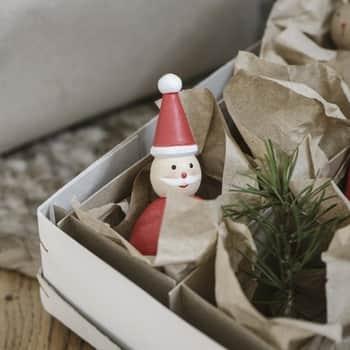Dřevěný Santa Claus Red 9 cm