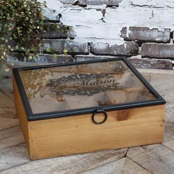 Dřevěný úložný box spřihrádkami La Maison