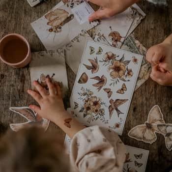 Dočasné tetování Flowers & Flying Friends