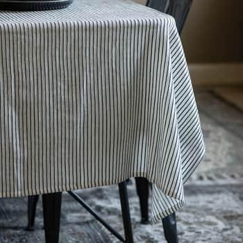 Bavlněný ubrus Black White Stripes 150×250 cm