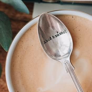 Postříbřená čajová lžička Ahoj Krásko!
